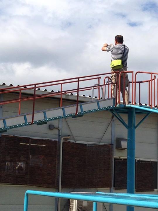 協力クラブを視察。屋根の上を撮影。